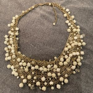 🆕🔥White & Gold Costume Jewel Necklace